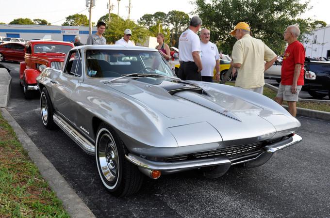 C2-Chevrolet-Corvette