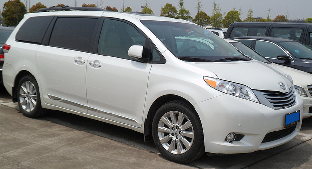 Toyota Sienna XL30 China 2012-04-15