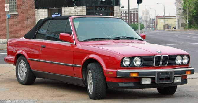 tn_15-BMW_3_Series_E30