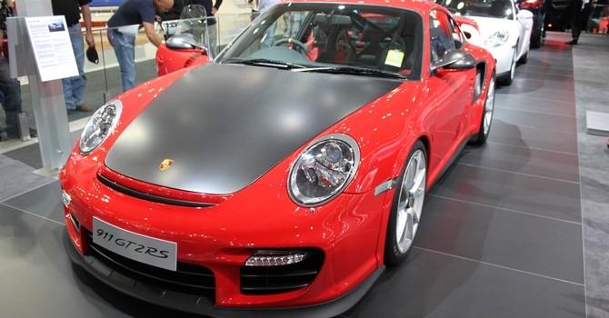 tn_85-Porsche_911_GT2_RS_(15571110420)