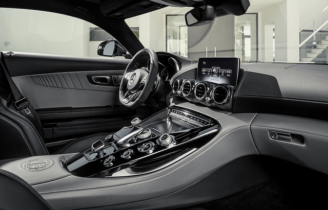 10 Features Every Car Should Have