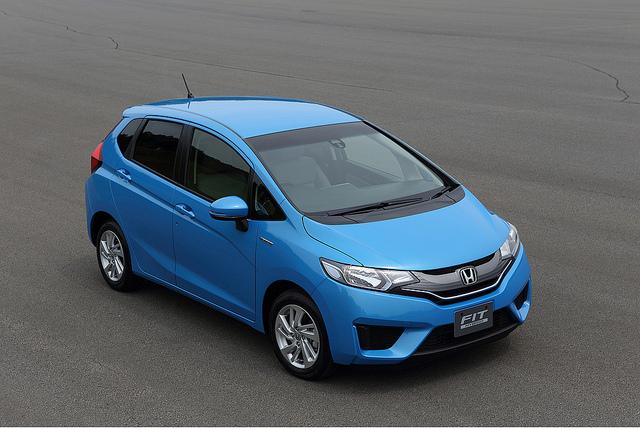 2015 Honda Fit Hybrid Japanese Model (3) - SMADEMEDIA.COM MediaGalleria