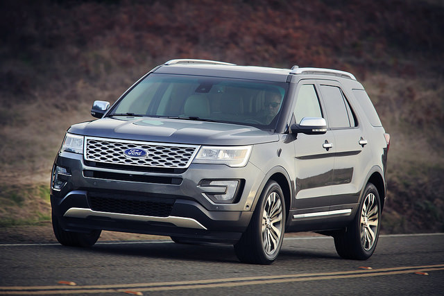 2016 Ford Explorer Design and Engine