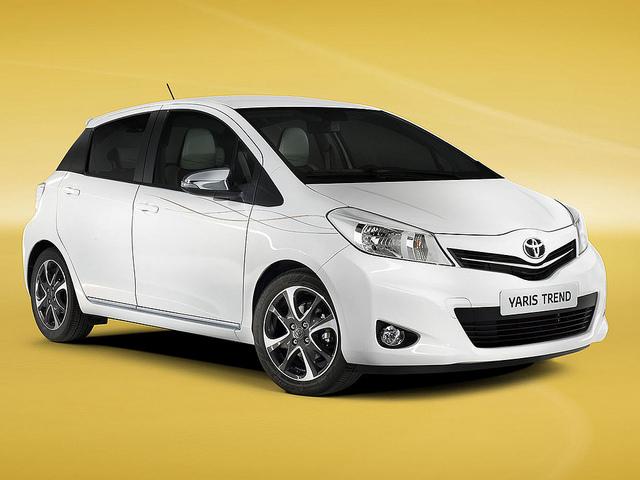 Toyota Yaris Trend 2013 Exterior
