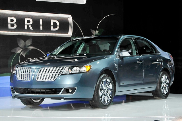 10 Most Fuel Efficient Hybrids of 2016
