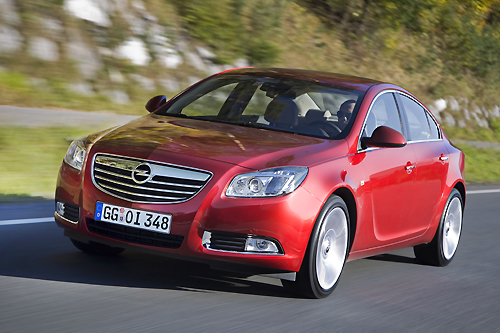 Opel Insignia ecoFLEX: Green and Strong