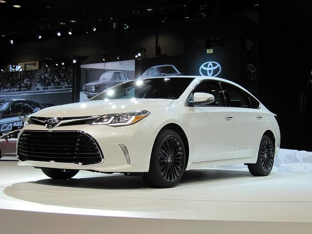 2016 Toyota Avalon Hybrid Price