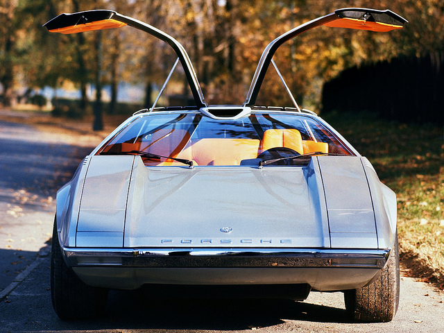 15 Cars with Gull Wing Doors & 15 Cars with Gull Wing Doors - Page 2 of 15 - Carophile