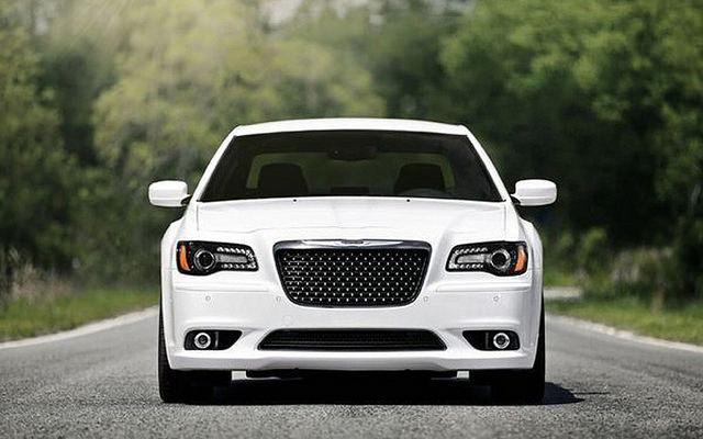 2015 Chrysler 300 Wallpaper HD at http://carwallspaper.com/2015-chrysler-300-wallpaper-hd/