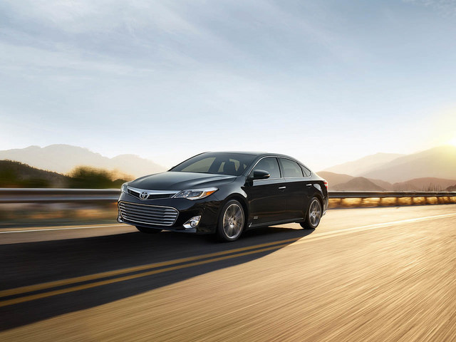 2015 Toyota Avalon Review and Price